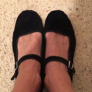 New Hao Yu Black Velvet Flats Size 41/11